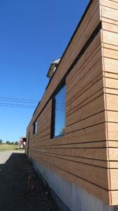 Bardage-Douglas-Brut-de-sciage-en-3-largeurs-Chantier-sur-Kerlouan-3-169x300