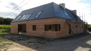 Bardage-Douglas-Brut-de-sciage-en-3-largeurs-Chantier-sur-Kerlouan-5-300x169