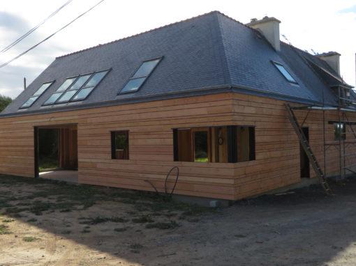 Bardage-Douglas-Brut-de-sciage-en-3-largeurs-Chantier-sur-Kerlouan-5-510x382