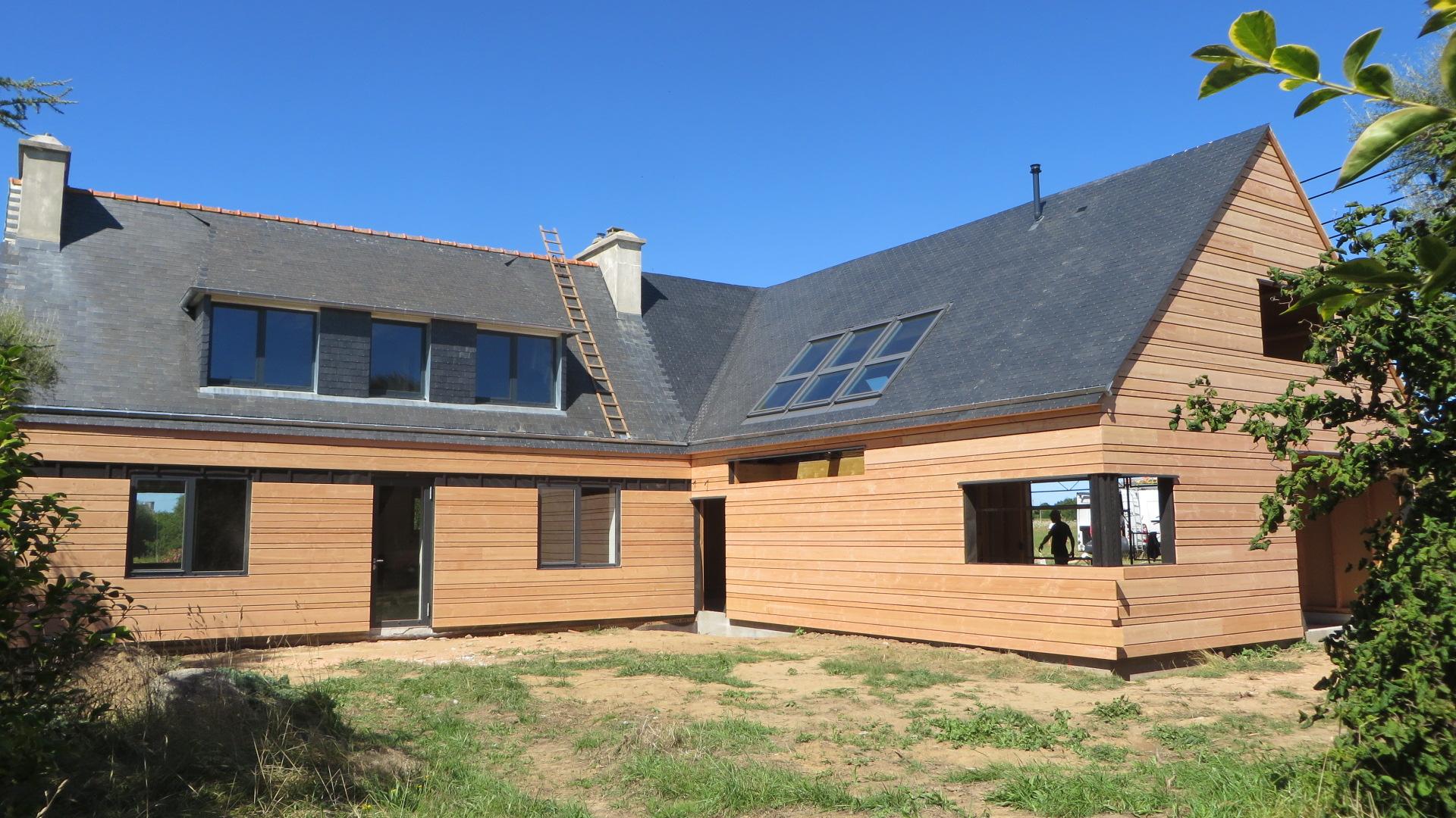 Bardage-Douglas-Brut-de-sciage-en-3-largeurs-Chantier-sur-Kerlouan