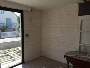 Lambris-Epicéa-Brut-de-sciage-blanc-Chantier-sur-Plougonvelin-3-300x225