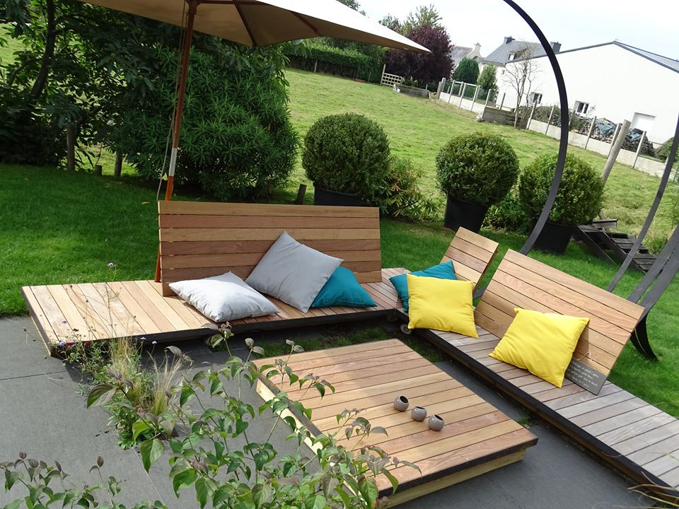 Table-et-Banc-en-lames-de-terrasse-Ipé-fixations-invisibles-Chantier-sur-Bégard