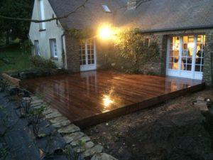 Terrasse-Ipé-avec-fixations-invisibles-Chantier-sur-Plougonvelin-300x225