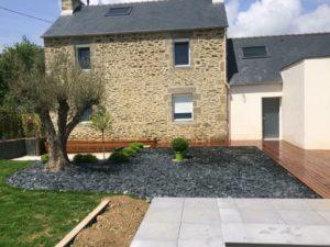 Terrasse-Ipé-avec-fixations-invisibles-Chantier-sur-Plouzané-300x225