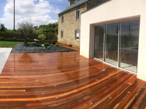 Terrasse-Ipé-avec-fixations-invisibles-Chantier-sur-Plouzané-4-510x382
