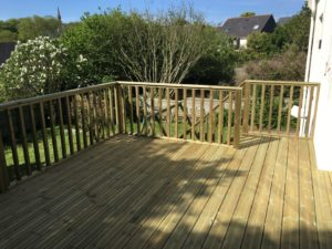 Terrasse-Pin-Sylvestre-Traité-Classe-4-Vert-3-300x225